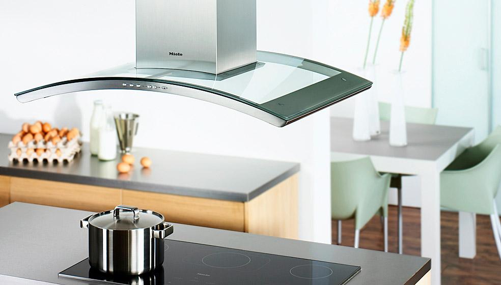 mit der dunstabzugshaube gegen k chenmief energie tipp. Black Bedroom Furniture Sets. Home Design Ideas