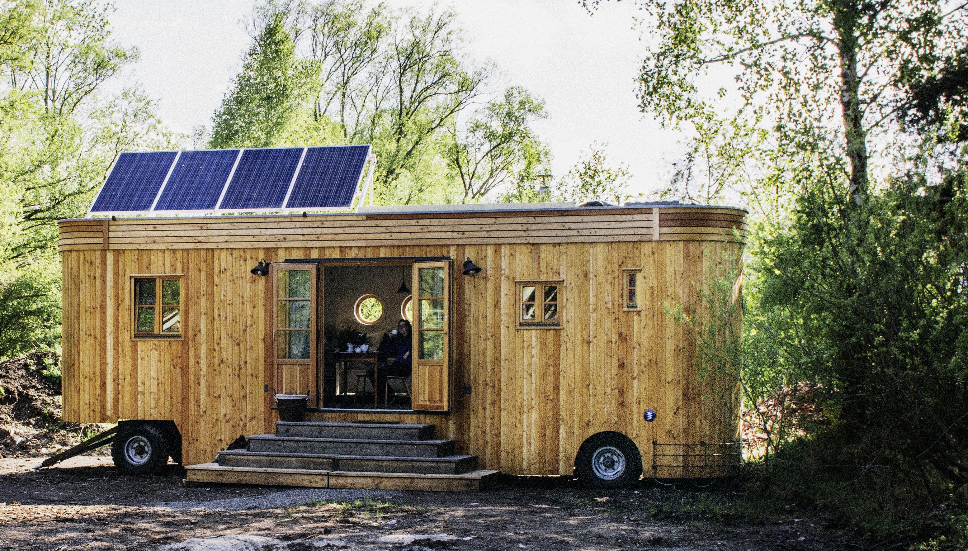 autark leben im wohnwagen energie tipp. Black Bedroom Furniture Sets. Home Design Ideas